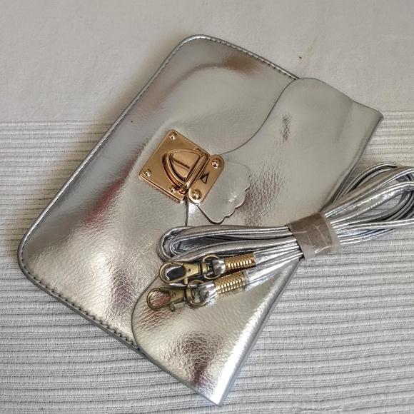none Handbags - Small silver purse